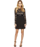 ROMEO & JULIET COUTURE - Short Sleeve Mock Neck Lace Dress