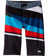 Quiksilver Kids - Slash Vee Youth 19 (Big Kids)