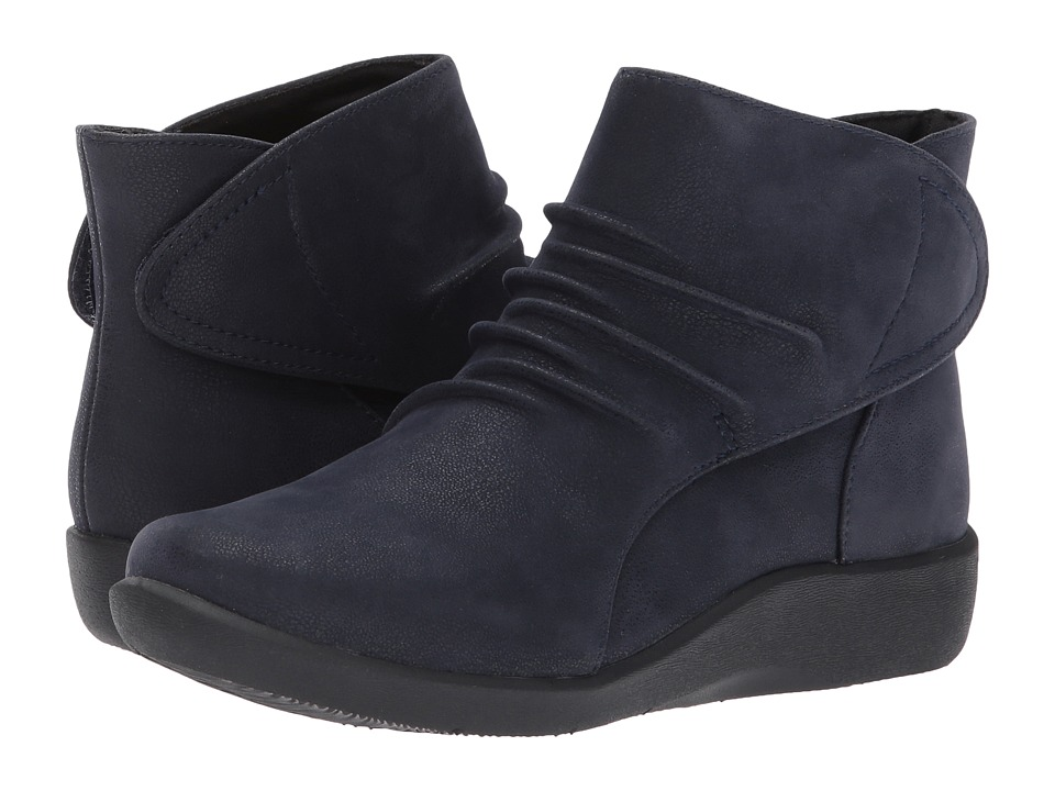 Clarks Sillian Sway (Navy) Women