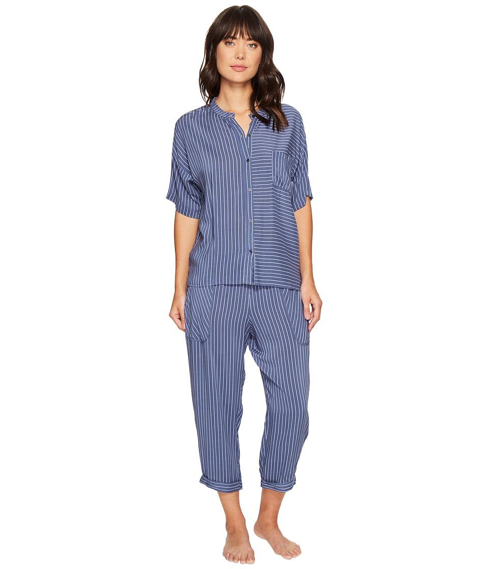 DKNY DKNY - Fashion 3/4 Sleeve Top and Capris Set