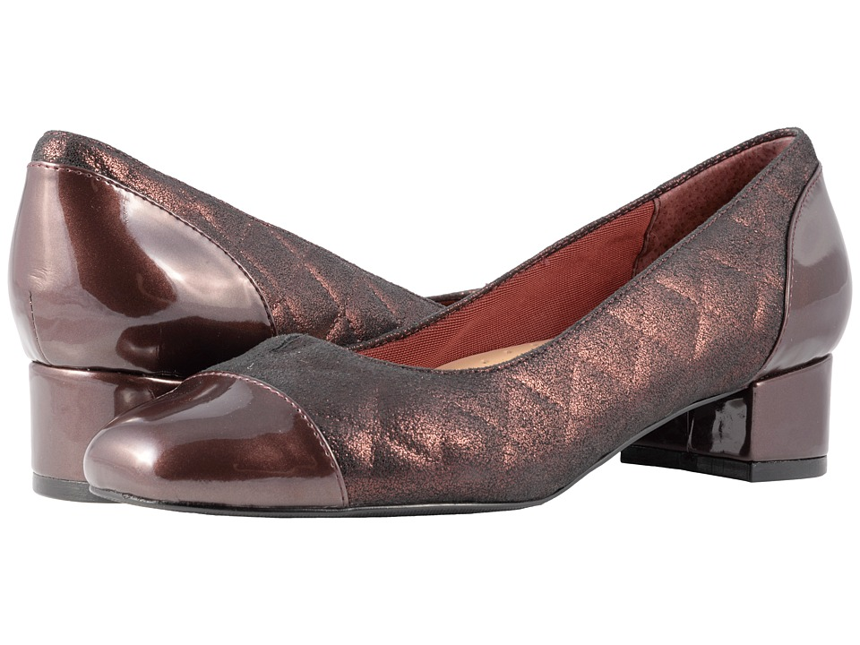 Trotters Danelle (Burgundy Quilted) Women