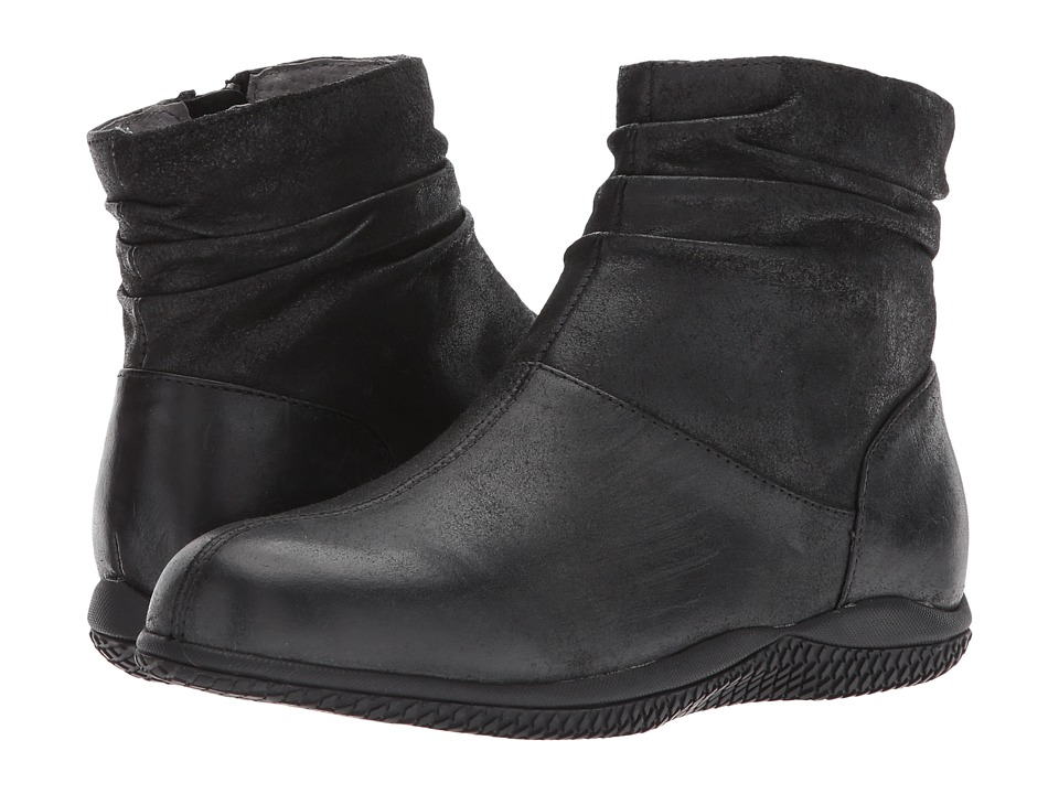 SoftWalk Hanover (Black Weathered Leather) Women's Shoes