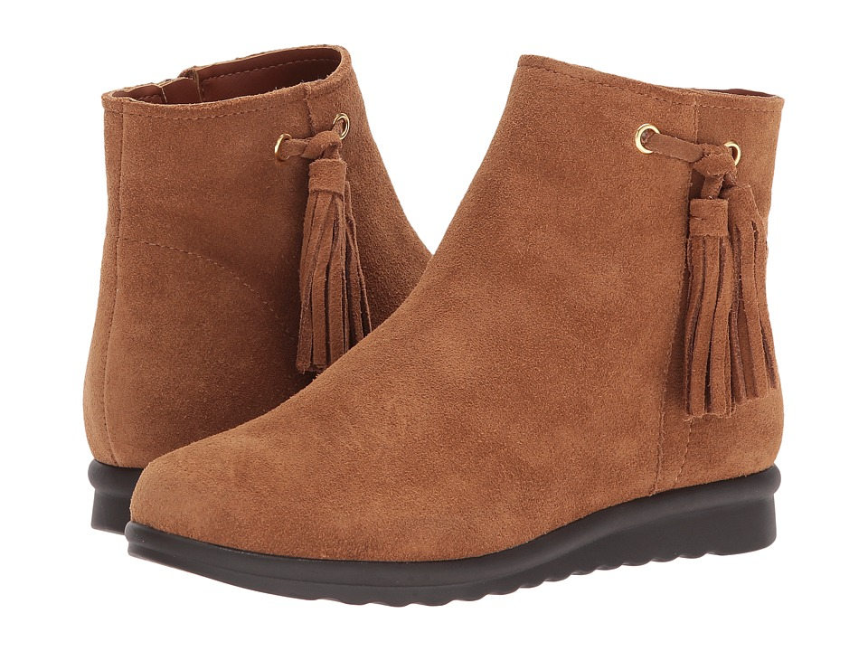 Vaneli Dommie (Tan Nival Suede/Gold Trim) Women