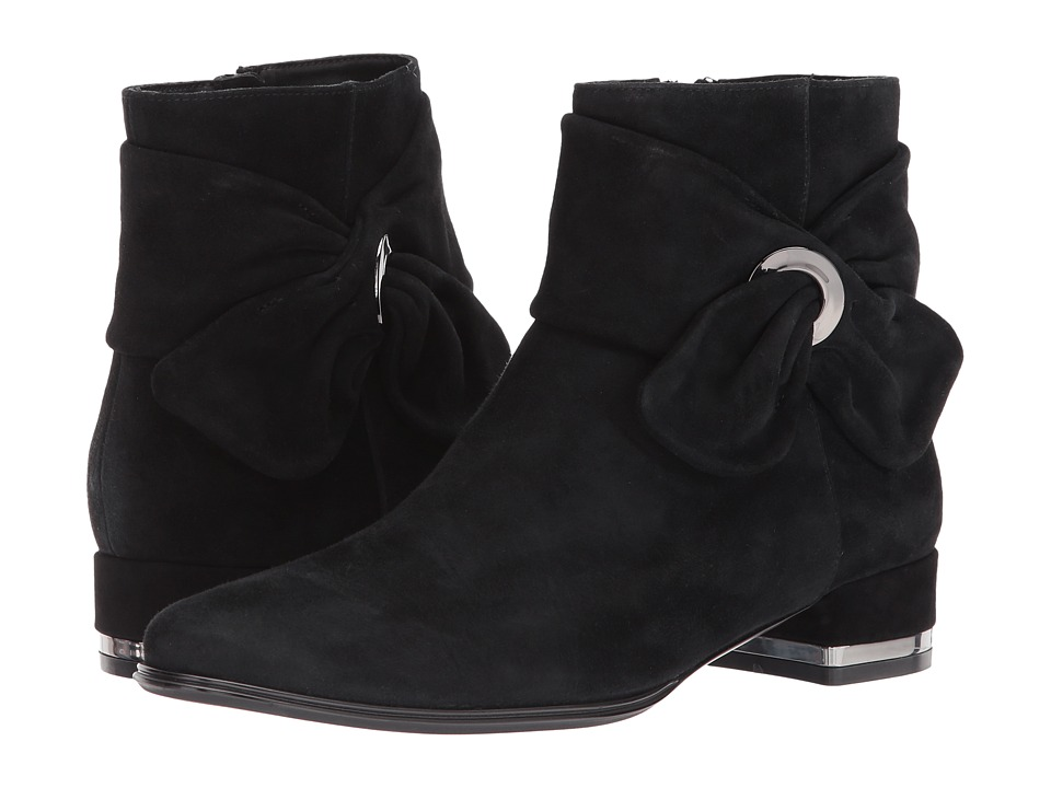 Vaneli Amik (Black Suede/Gunmetal Trim) Women