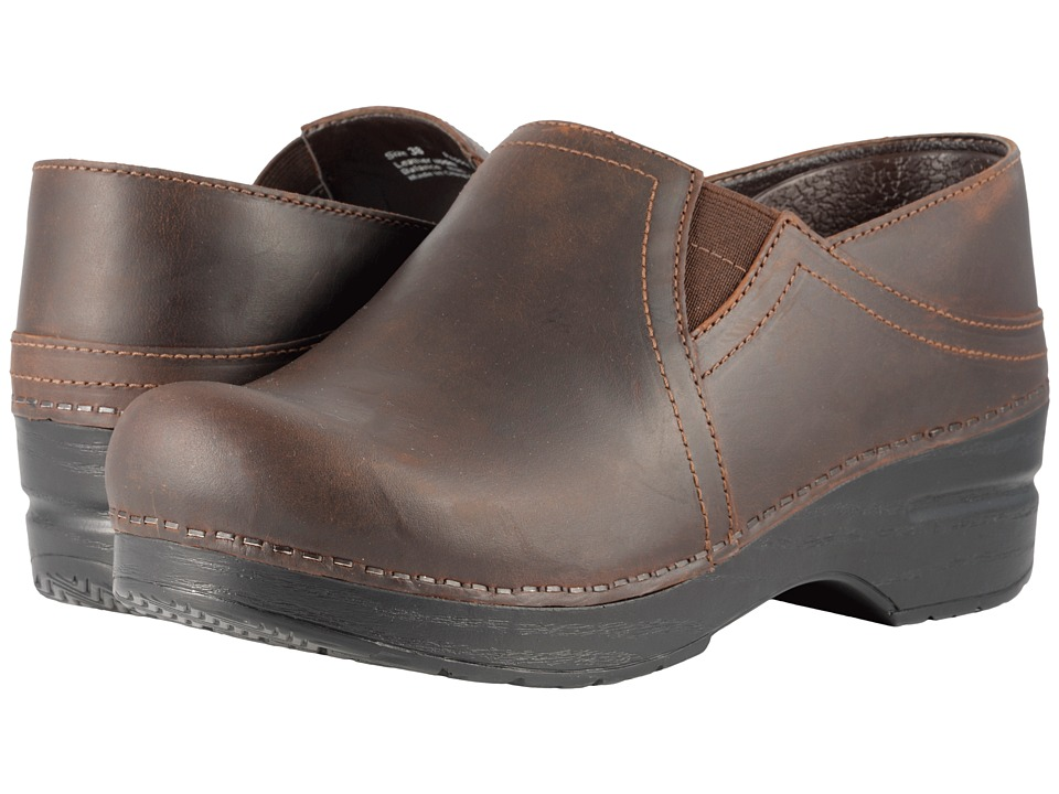 Dansko Pepper (Antique Brown Oiled) Women's Shoes