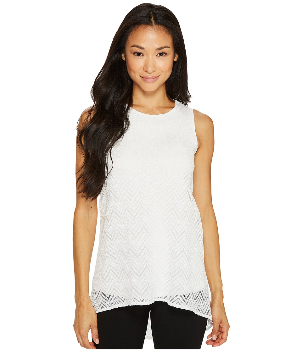 Vince Camuto Specialty Size - Petite Sleeveless Herringbone Lace High-Low Hem Blouse