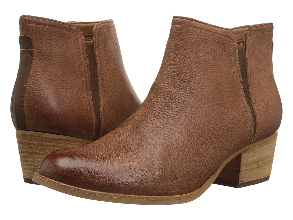 Clarks Maypearl Ramie (Dark Tan Leather Combo) Women's  Boots