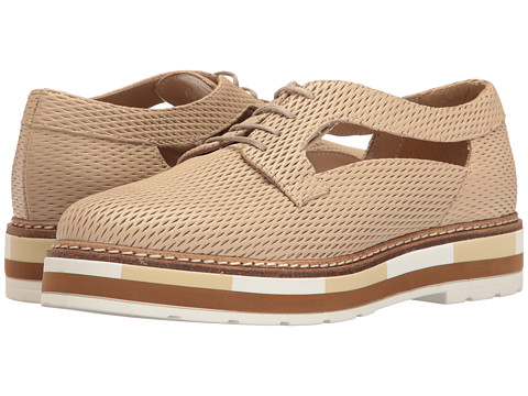 Summit by White Mountain Bexley - Sand Textured Leather