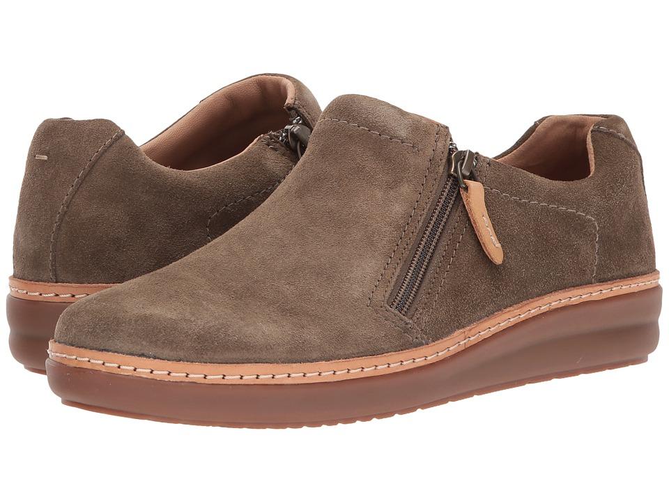 Clarks Amberlee Vita (Olive Suede) Women's  Shoes
