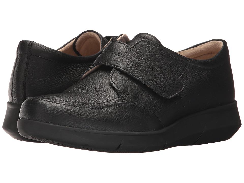 Hush Puppies Believe Mardie (Black Leather) Women's Hook and Loop Shoes