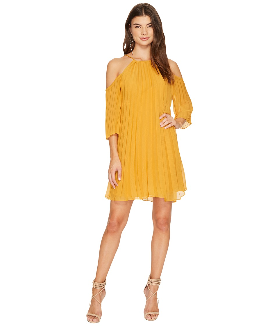 BB Dakota Gretel Pleated Shift Dress (Royalty Yellow) Women