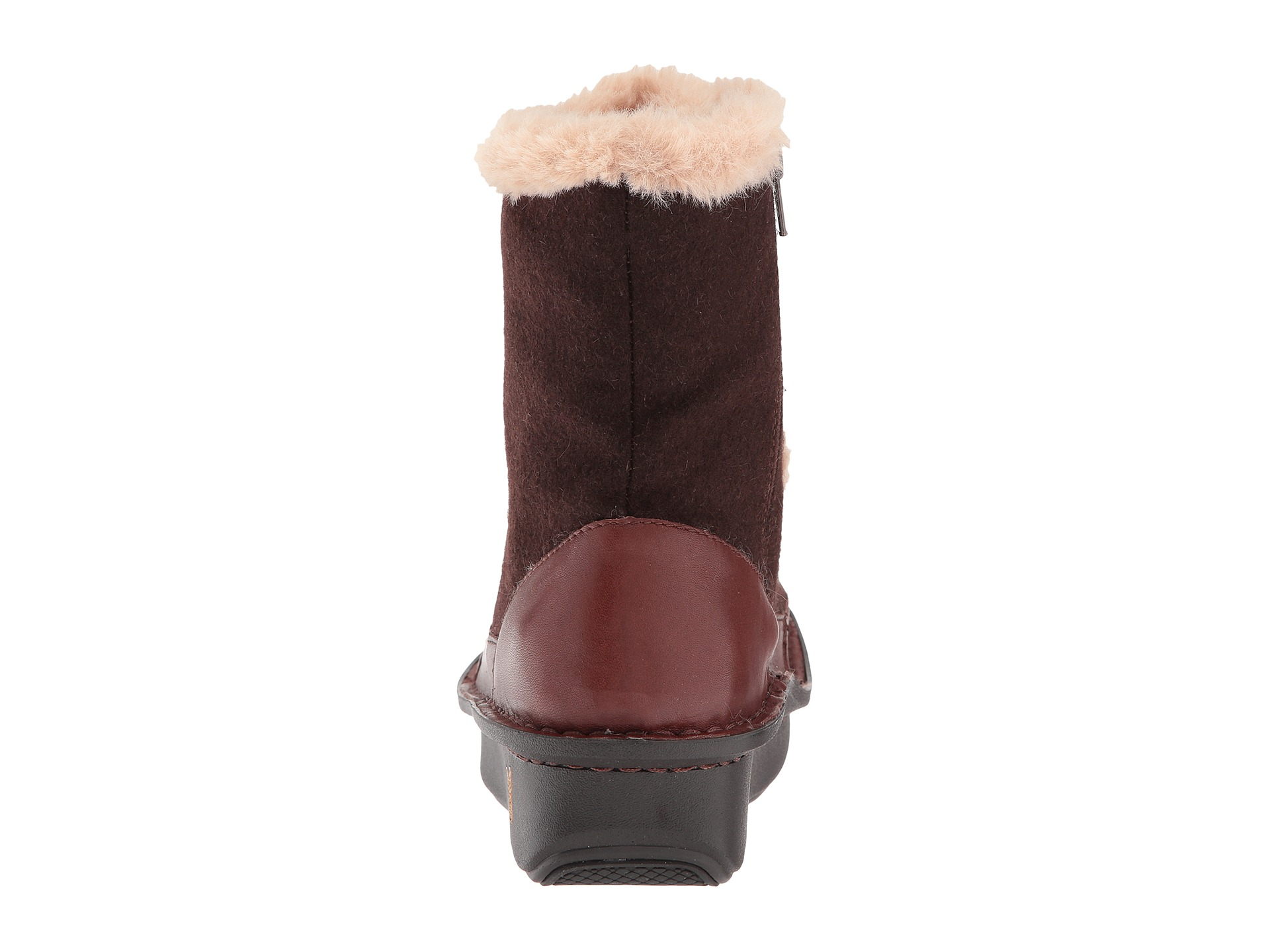 twisp men ★ alegria twisp lace-up boot with faux fur lining men absence clothes that provide comfort and fashion without limiting progress as he is practicing poses.