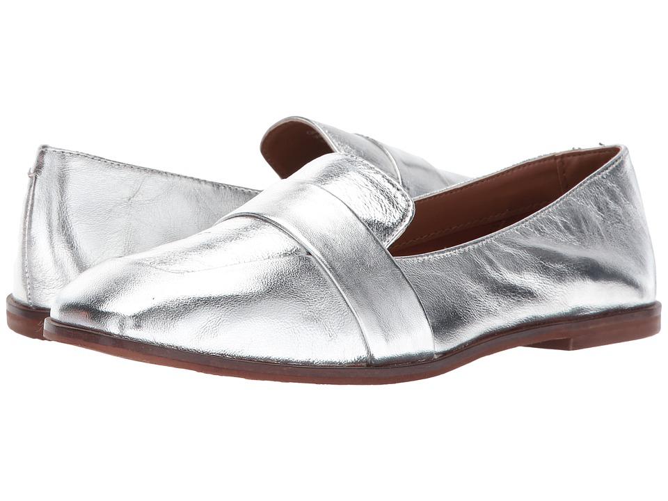 Kenneth Cole Reaction Glide Slide (Silver) Women