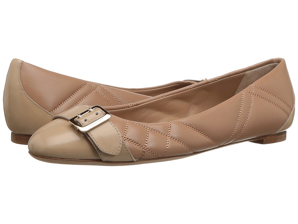 Burberry - Avonwick Qui (Honey) Womens Flat Shoes