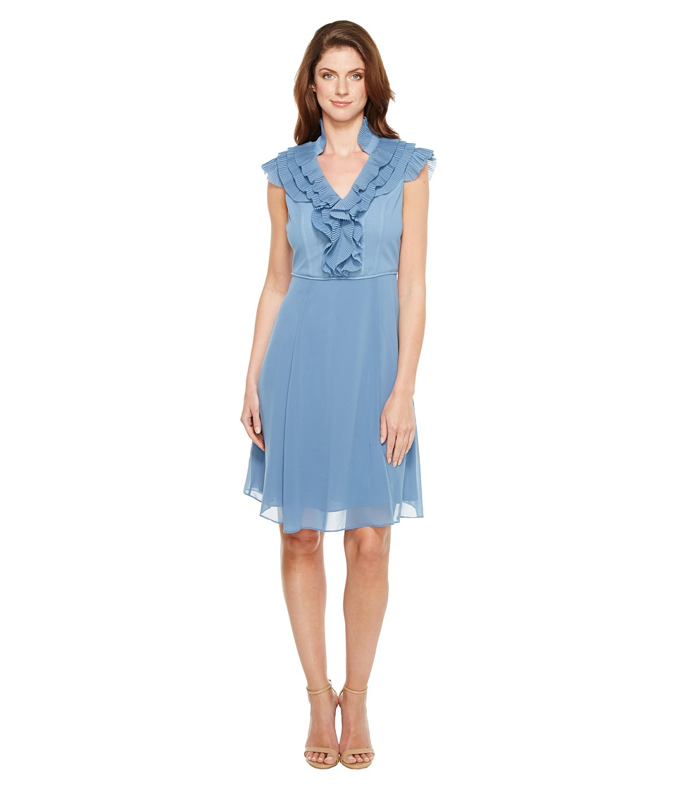 Adrianna Papell - Chiffon Fit and Flare Dress with Pleated Ruffle Collar V