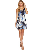 Vince Camuto - Printed Scuba V-Neck & Back Fit & Flare Dress