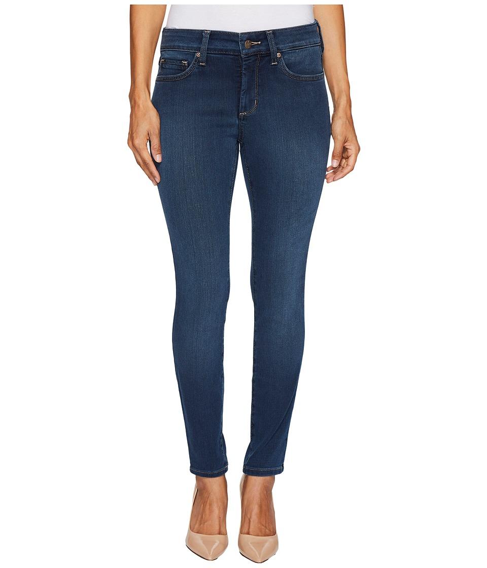 NYDJ Petite Petite Ami Skinny Legging Jeans in Future Fit Denim in Rome (Rome) Women