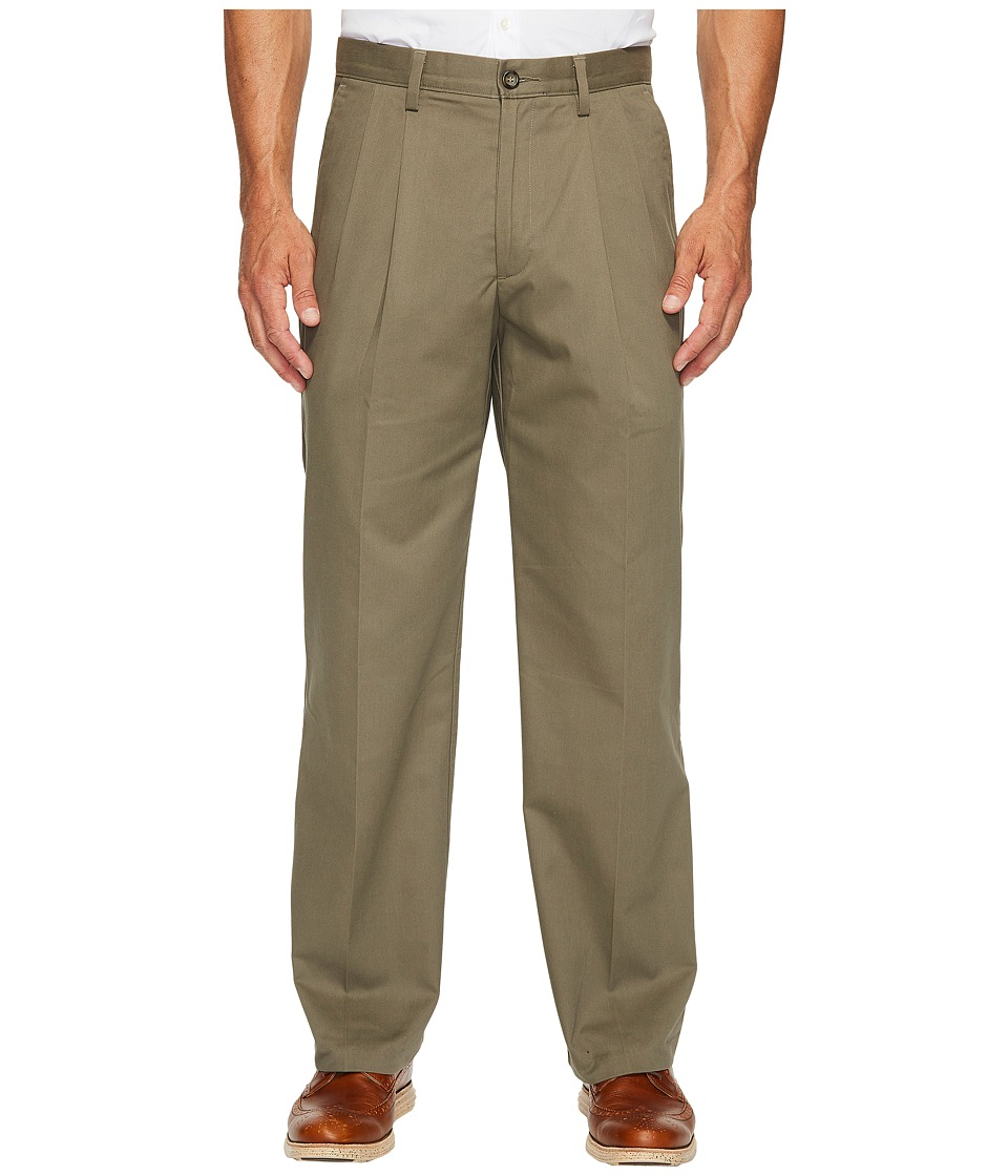 Dockers Easy Khaki D3 Classic Fit Pleated Pants (Umber) M...