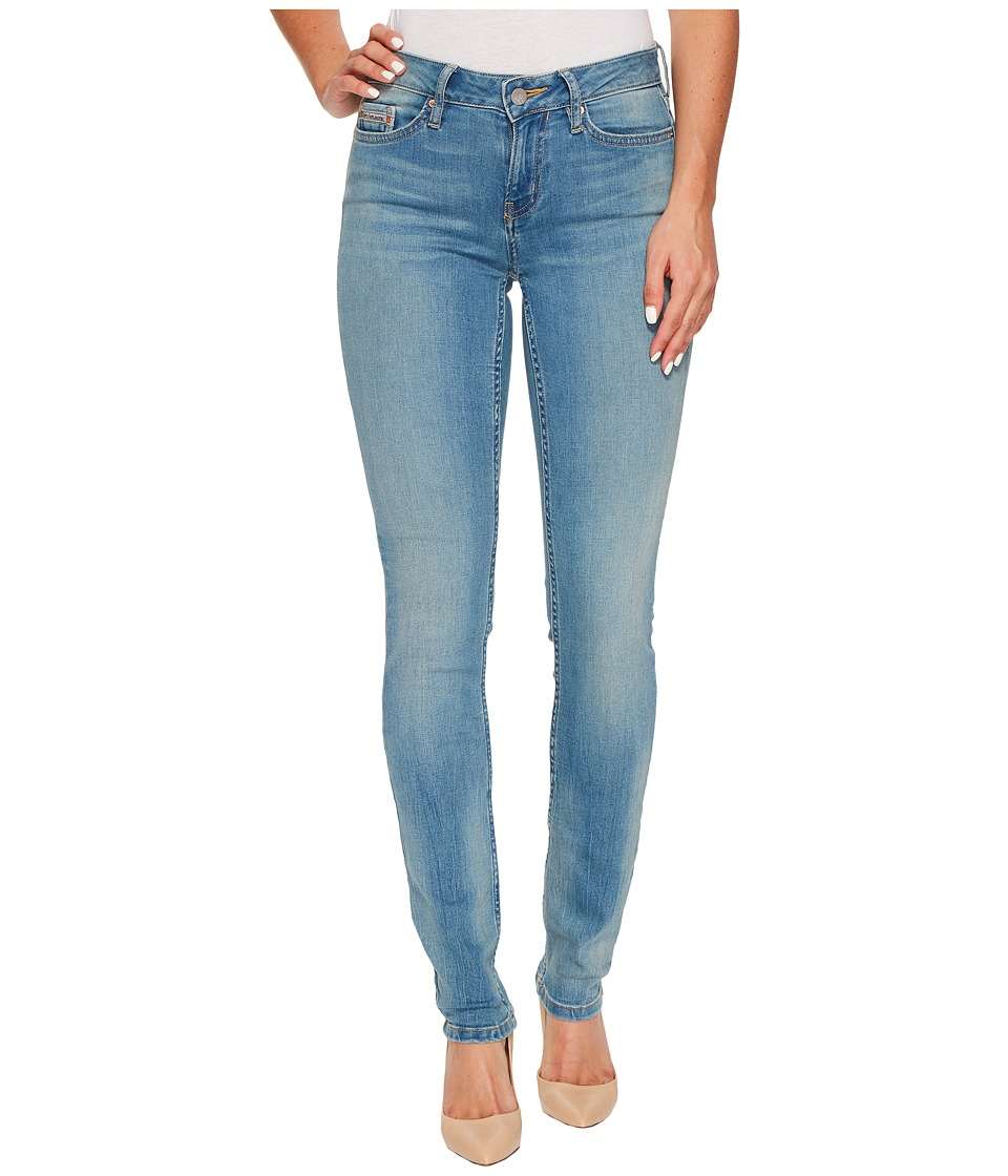 Calvin Klein Jeans Ultimate Skinny Jeans in Bottle Blue Wash (Bottle Blue) Women