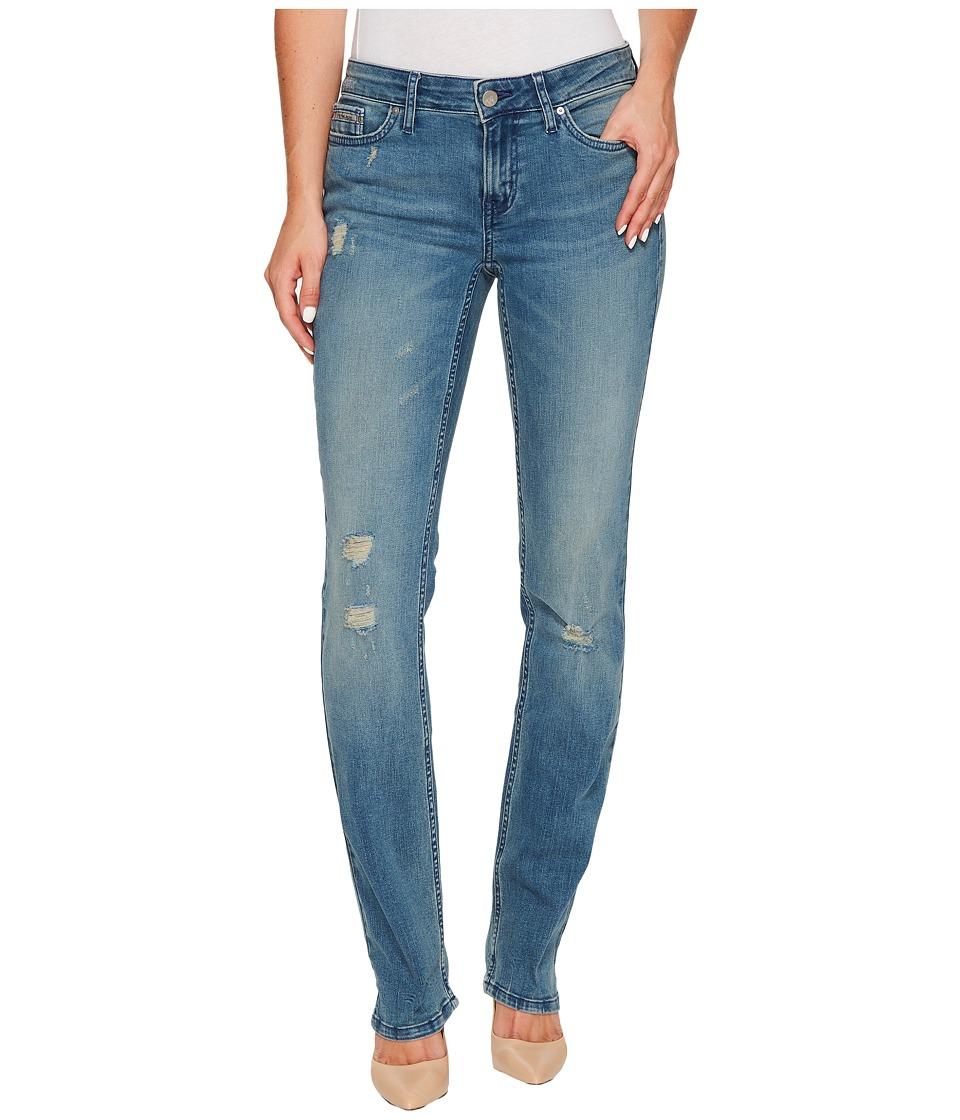 Calvin Klein Jeans Straight Leg Jeans in Sandstorm Wash (Sandstorm) Women