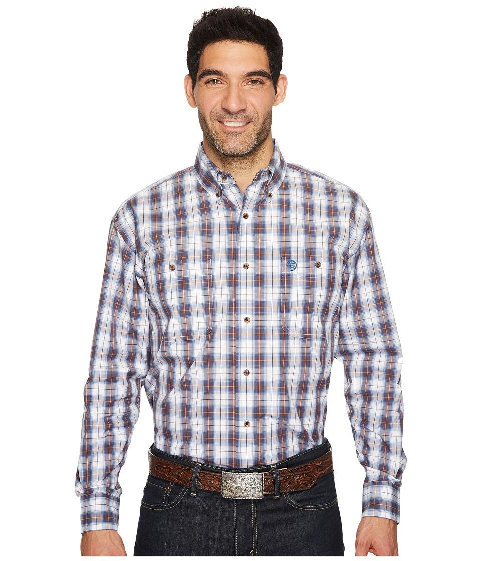 Wrangler - Long Sleeve George Strait Two-Pocket Plaid (Blue/White) Men's Clothing