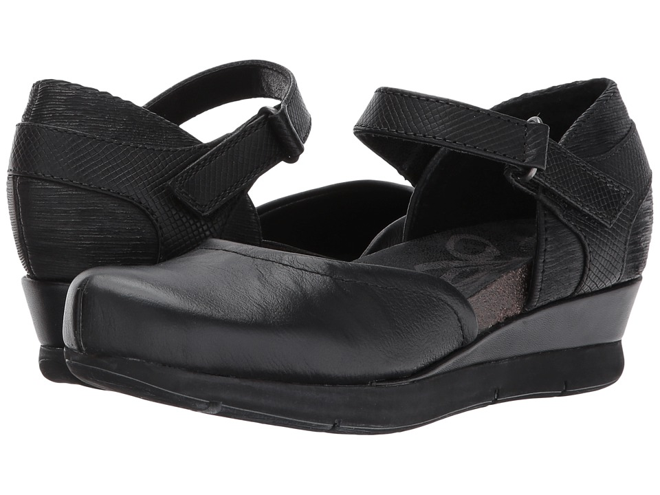 OTBT Companion (Black) Wedges