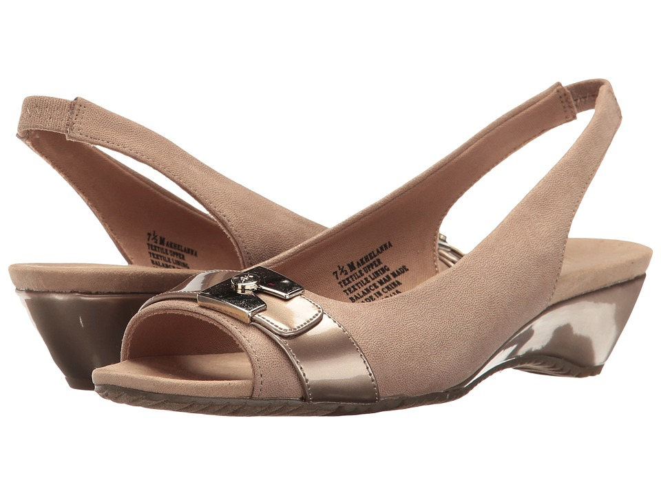 Anne Klein Helanna (Light Gold Fabric) Women