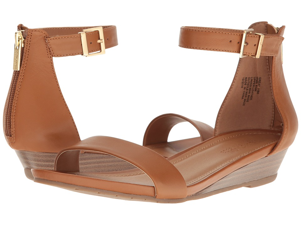 Kenneth Cole Reaction Great Vibe (Tan) Women