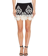 ROMEO & JULIET COUTURE - Lace Trim Shorts