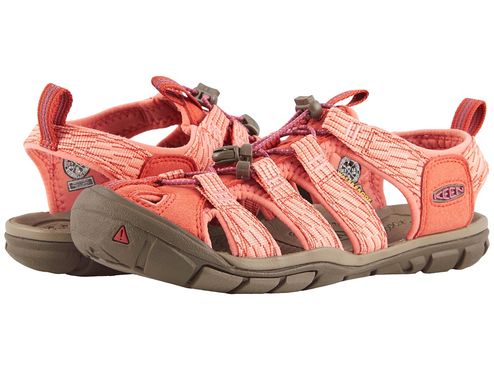 Keen Clearwater CNX (Summer Fig/Crabapple) Women's Shoes