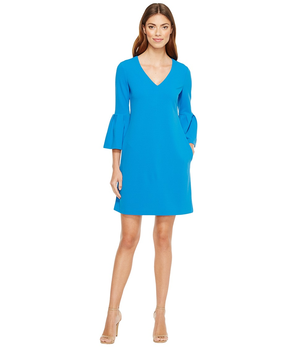 Donna Morgan - 3/4 Bell Sleeve Crepe Shift with V
