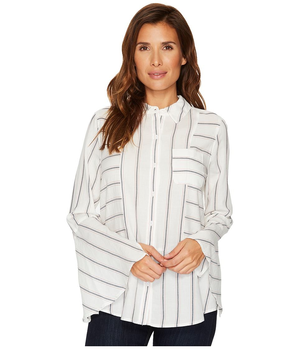 TWO by Vince Camuto - Bell Sleeve Yarn