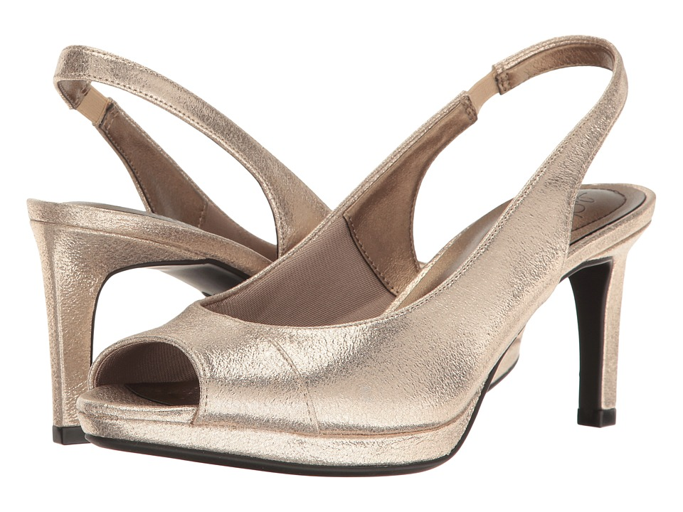 LifeStride - Invest (Soft Gold) Women's Sandals