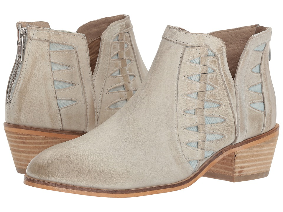 Charles by Charles David Yuma (Off-White Nubuck) Women