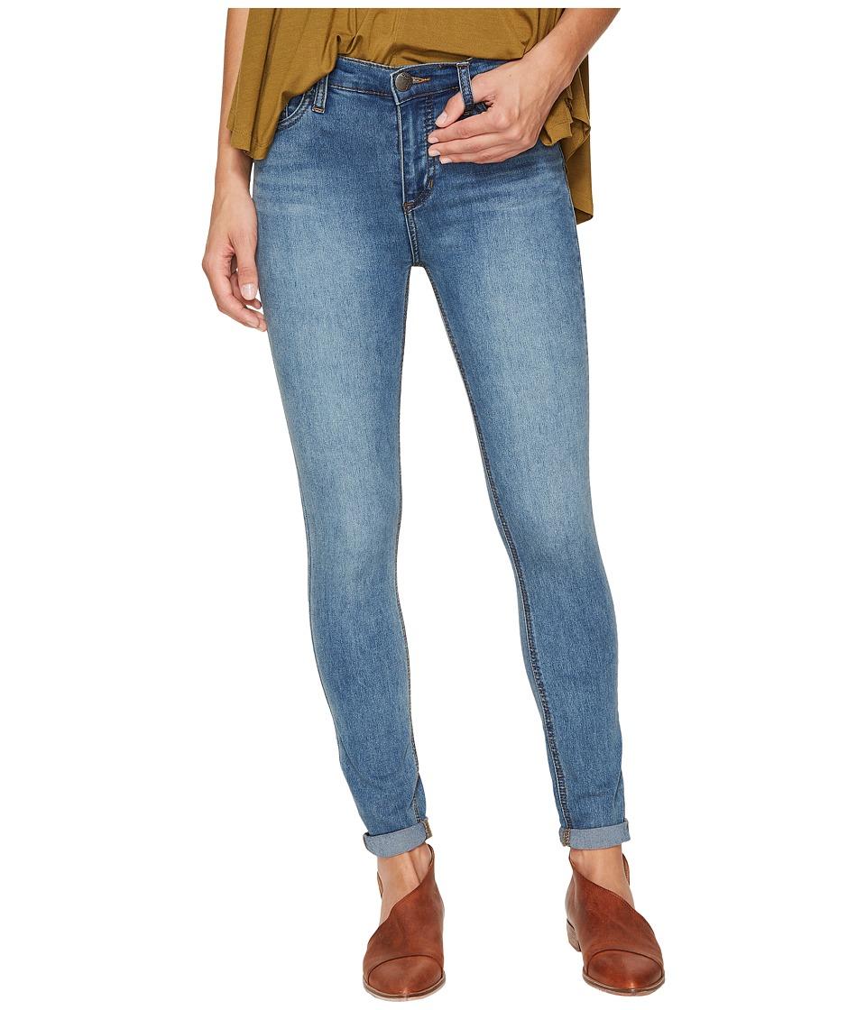 Free People Gummy Denim High-Rise Roller Crop Jeans (Light Denim) Women