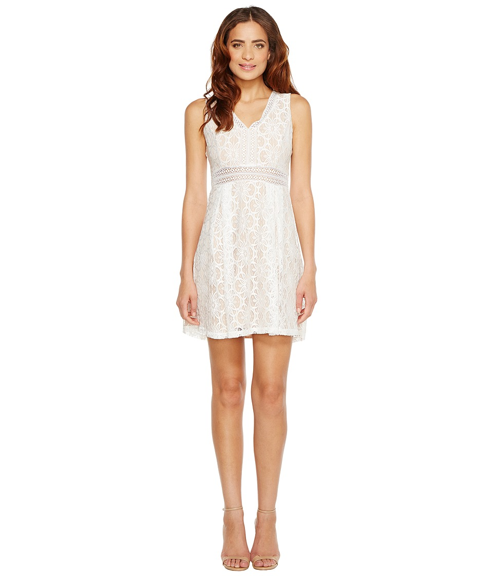 Jessica Simpson - Sleeveless V-Neck Lace Dress JS7A9343 (Ivory/Nude) Womens Dress