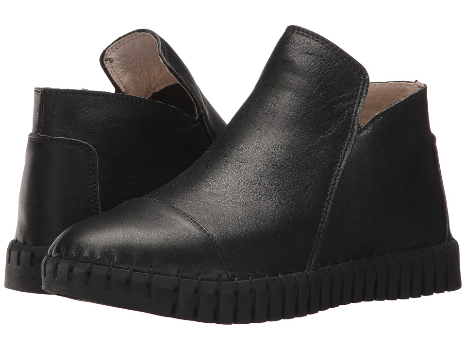 bernie mev. TW 80 (Black) Slip-On Shoes
