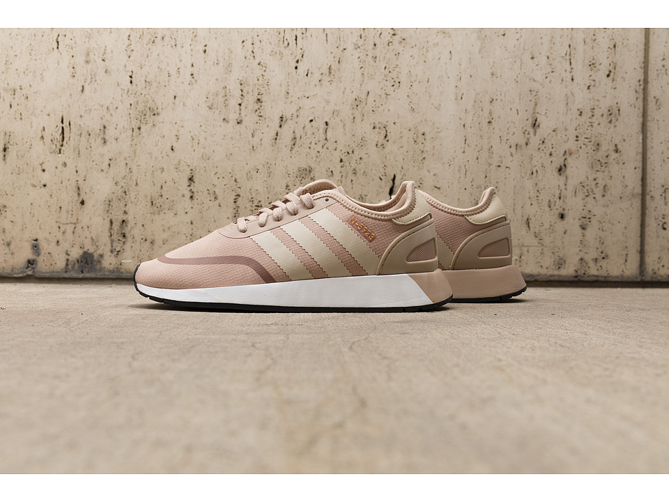 adidas Originals Iniki Runner CLS (Ash Pearl/Linen/White) Women's Shoes