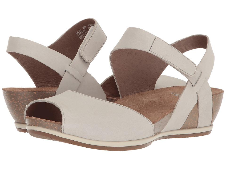Dansko Vera (Oyster Milled Nubuck) Women's Shoes