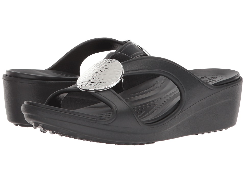 Crocs - Sanrah Hammered Circle Wedge (Black/Black) Womens  Shoes