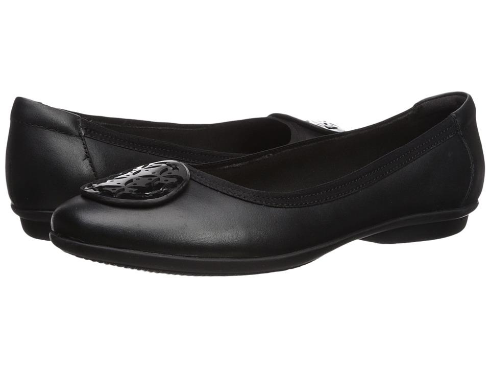 Clarks Gracelin Lola (Black Leather/Synthetic Combo) Women's Shoes