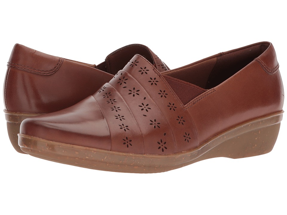 Clarks Everlay Uma (Dark Tan) Women's Shoes