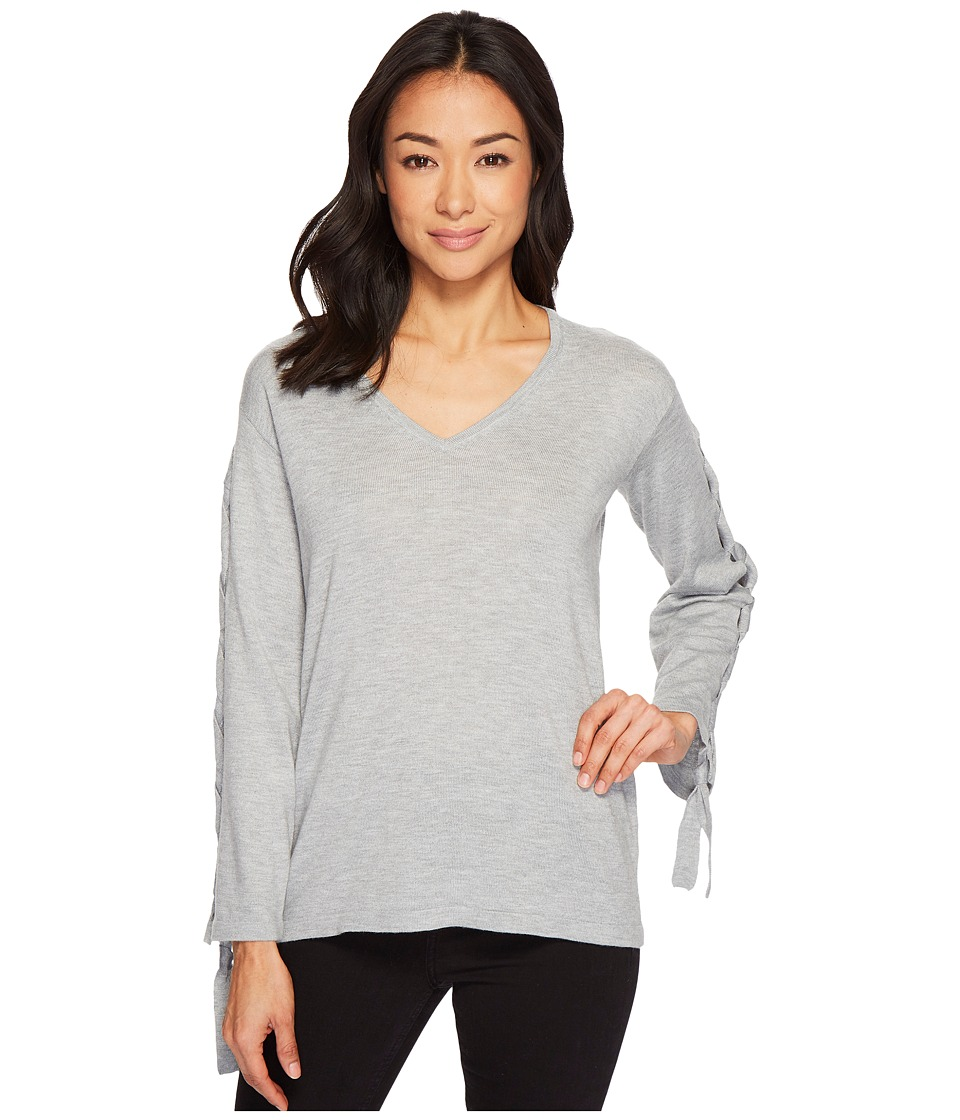 Vince Camuto Specialty Size - Petite Long Sleeve V-Neck Lace
