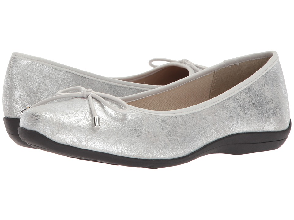 Soft Style Heartbreaker (Silver Eclipse) Slip-On Shoes