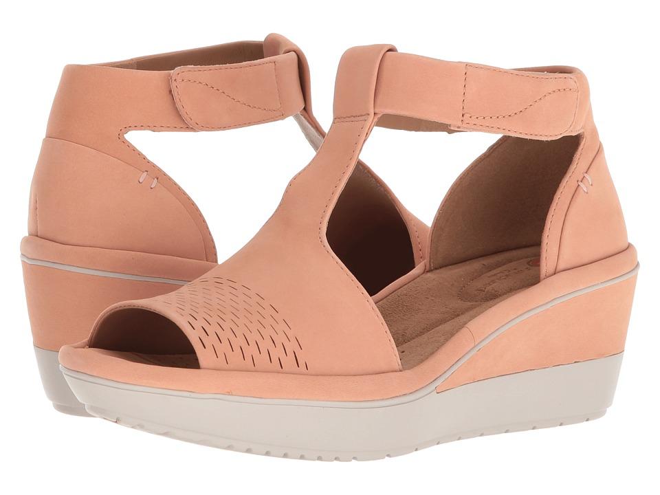 Clarks - Wynnmere Avah (Peach Nubuck) Womens Wedge Shoes