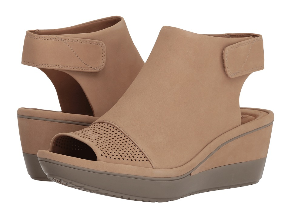 Clarks - Wynnmere Abie (Sand Nubuck) Womens Shoes