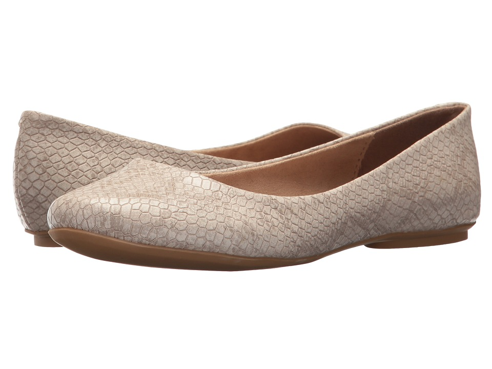 Kenneth Cole Reaction Slip On By (Almond) Flats