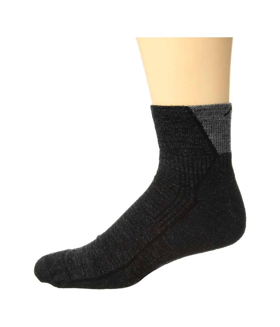 Darn Tough Vermont - Hiker 1/4 Socks Cushion (Black) Mens Quarter Length Socks Shoes