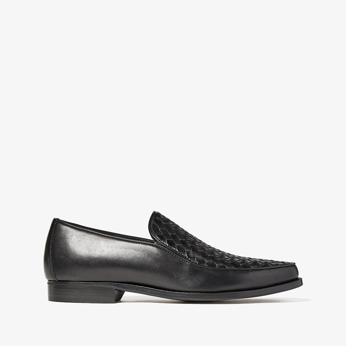 Bottega Veneta - Chet Intrecciato Loafer (Black) Mens Flat Shoes