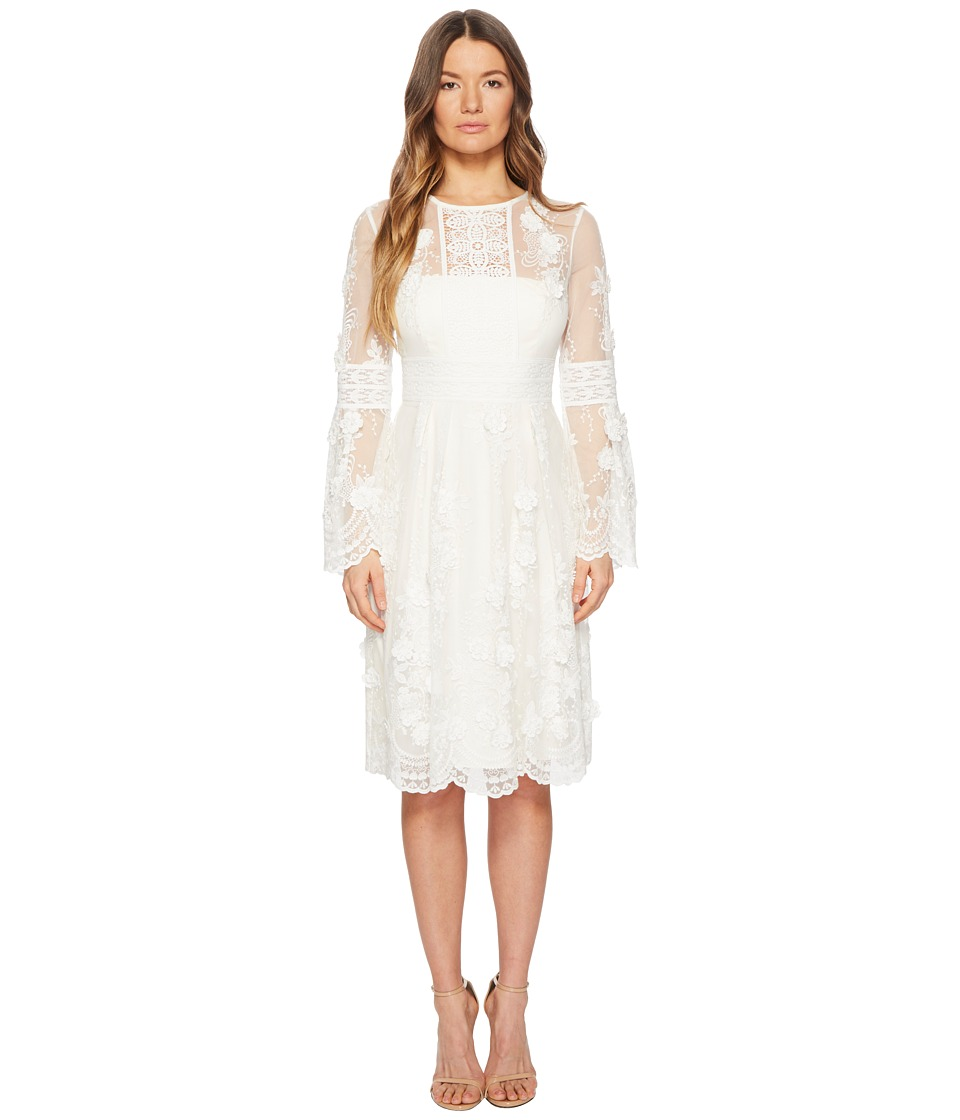 ML Monique Lhuillier - Long Sleeve Lace Scallop Edge Dress (Ivory) Womens Dress